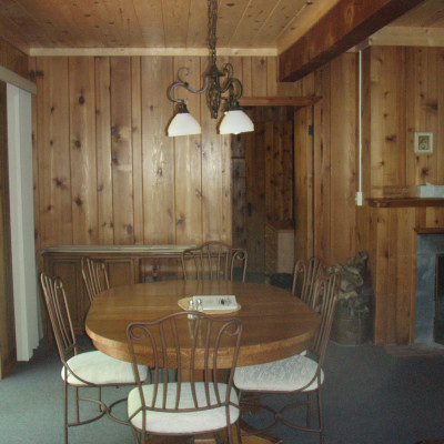 Cabin 69 Dining Area